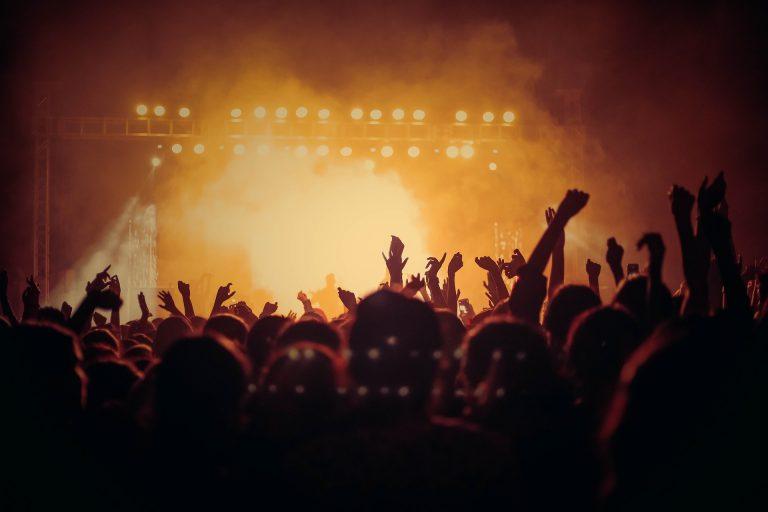 I CONCERTI NEL 2021: UTOPIA O SPERANZA? LA MUSICA È PRONTA A RIPARTIRE?
